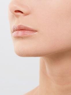 Il botox blocca il viso e il sorriso. E così ci sentiamo più depressi